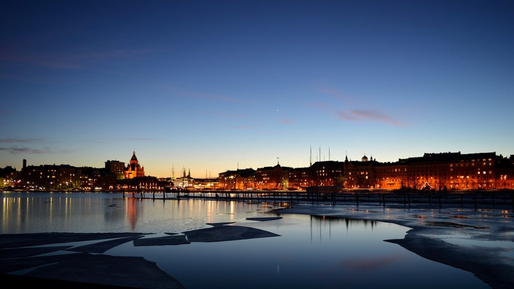 Suomen hallitus ja uhkapelaaminen 1024x576 - Online-uhkapelaamisen internet-lähetys Suomessa - vinkit, joista tietää