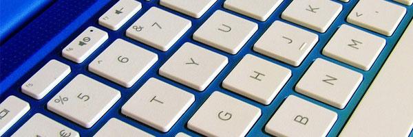 5 syytä miksi Windows on paras käyttöjärjestelmä online pokerille valkoinen näppäimistö - 5 syytä miksi Windows on paras käyttöjärjestelmä online-pokerille