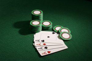 axes 5005087 1280 300x200 - Mikä on Live Broker Casinon vedonlyönti?
