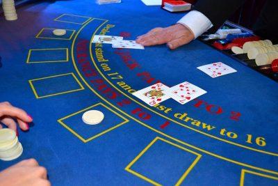 cards 1437776 960 720 400x267 - Tiedätkö kaiken kasinoista