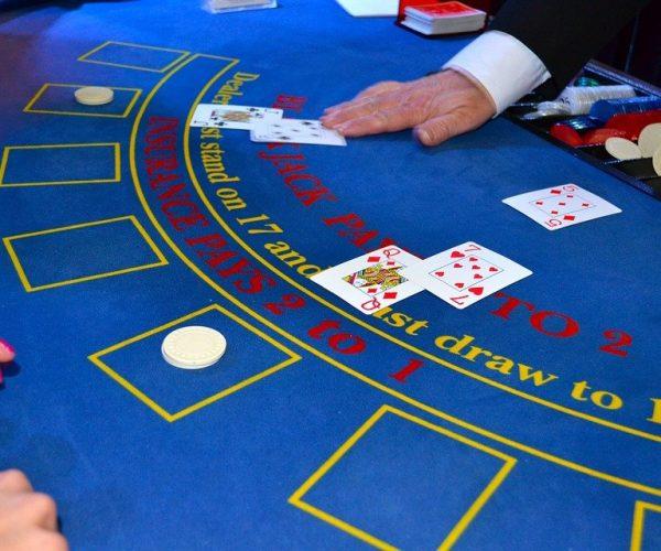 cards 1437776 960 720 600x500 - Tiedätkö kaiken kasinoista