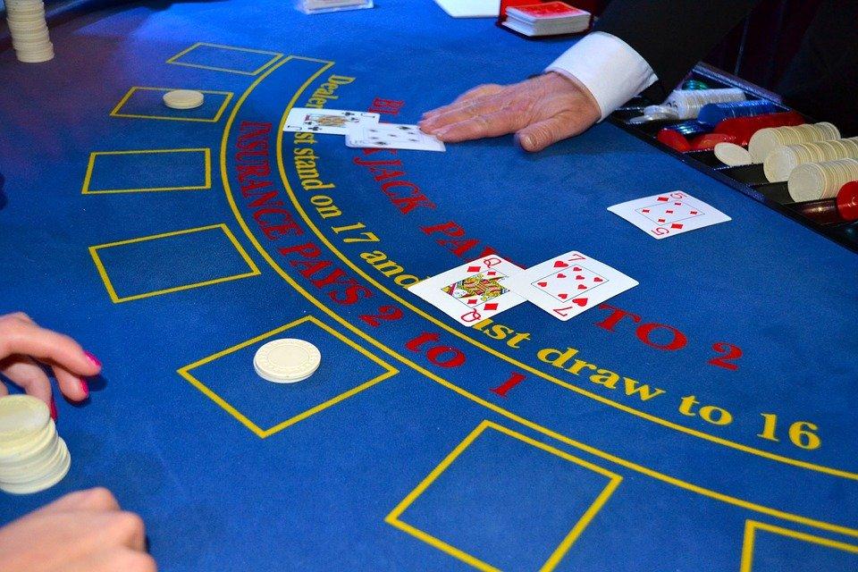 cards 1437776 960 720 - Tiedätkö kaiken kasinoista